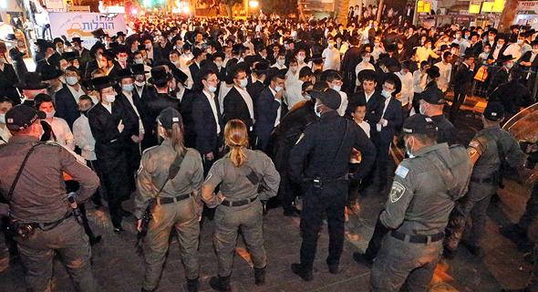 התקהלות חרדים בבני ברק, צילום: שאול גולן