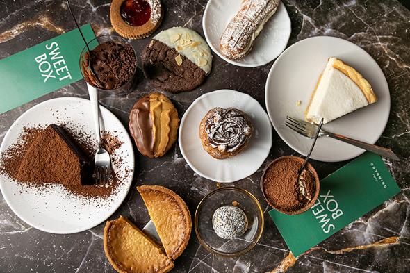 """קינוחים של """"גרינברג"""". מפחזניות עד עוגות, צילום: גל קלדרון"""