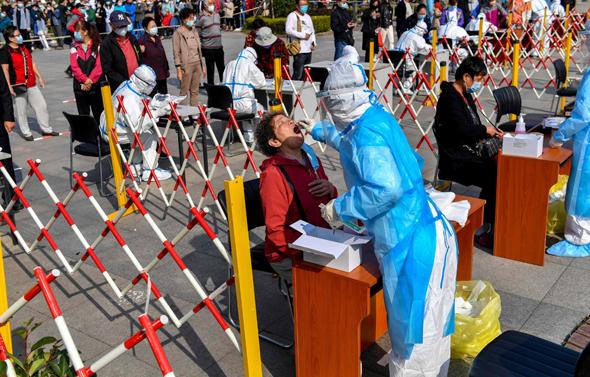 בדיקות קורונה בסין