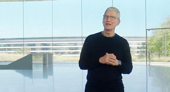 """טים קוק מנכ""""ל אפל אירוע השקת אייפון 12, צילום מסך: אפל"""