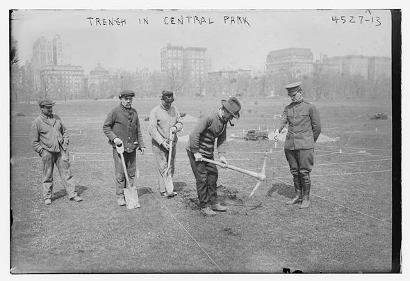 העבודות על הקמת הפארק נמשכו גם לאחר השקתו, צילום: Library of Congress, Prints & Photographs Division