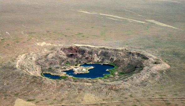 נקודת הפיצוץ בימינו. מה אגיד לכם, לא כדאי להתרחץ במים האלה, צילום: warhistoryonline