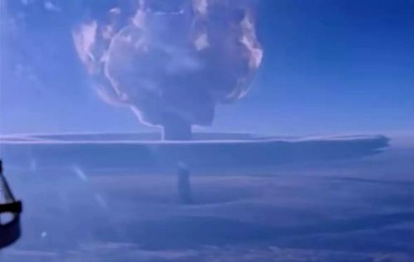 """הפיצוץ האטומי הכי גדול בהיסטוריה, ממרחק של מאות ק""""מ, צילום: sputnik"""