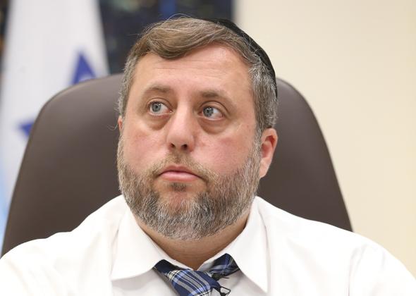 """סגן ומ""""מ ראש העיר חיפה, מיכאל אלפר. """"נייצר שכונות אורבניות עם חיי קהילה, מסחר ותעסוקה בתחומן"""""""