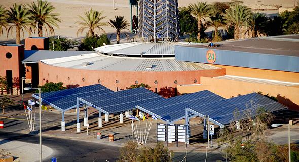 הדמיית פרויקט סולארי של דוראל בחניון קיבוץ יוטבתה