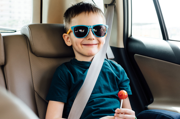 מגבשים תקן למניעת שכחת ילדים ברכב