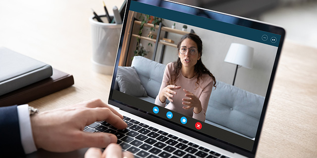An employer interviews an applicant via Zoom. Photo: Shutterstock