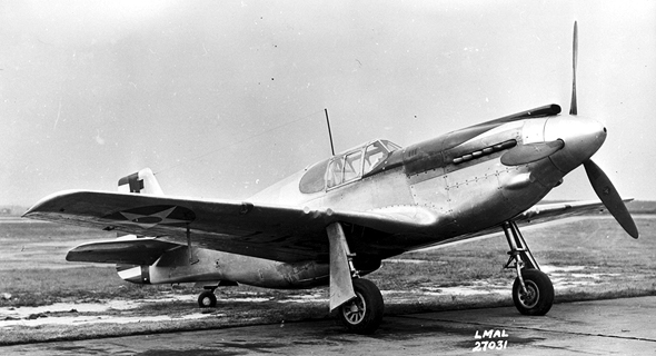 אב טיפוס של מטוס המוסטנג. הרבה שינויים עוד חיכו לו