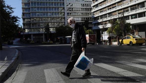 רחובות ריקים באתונה