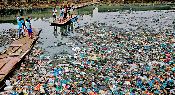 Large amounts of hazardous microplastics pollute the Indian Ocean. Photo: Getty Images