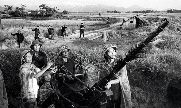 """תותחי 23 מ""""מ וצוותיהם בווייטנאם"""
