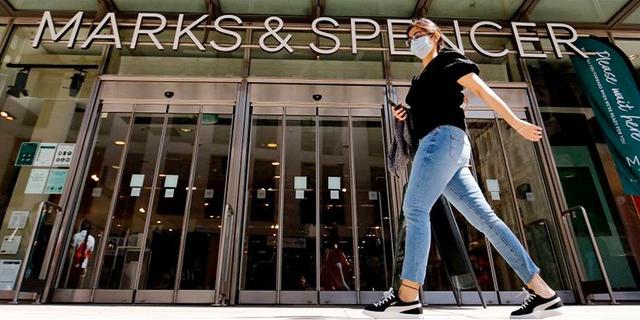 חנות של מרקס אנד ספנסר בזמן הסגר בלונדון, צילום: גטי אימג