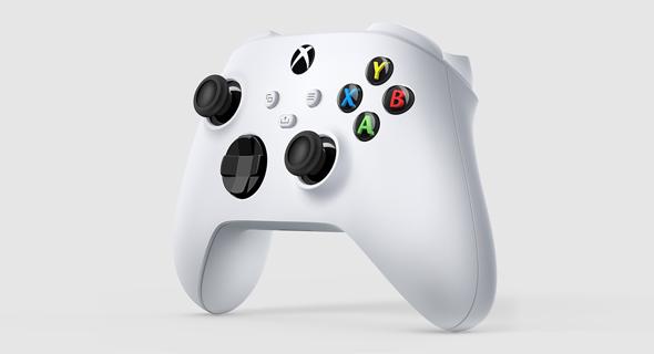 """השלט של ה-Xbox החדש. דומה לישן, פחות מחליק מהיד, צילום: : יח""""צ"""