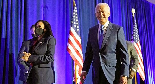 עם ג'ו ביידן. לא התחייב שירוץ לכהונה נוספת