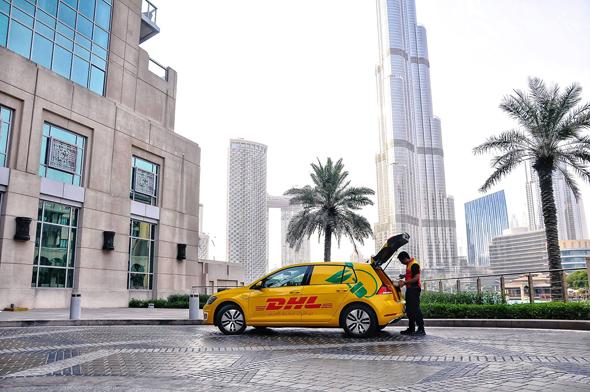 רכב של DHL באיחוד האמירויות, צילום: DHLUAE