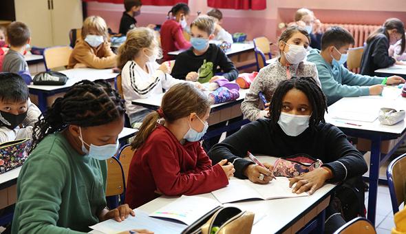 ילדים בבית ספר בצרפת, ארכיון, צילום: אם סי טי