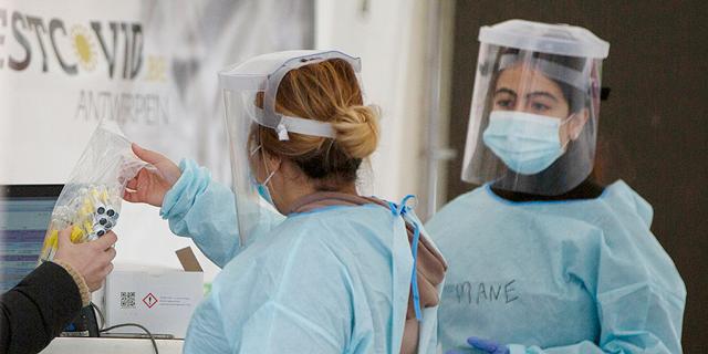 שיעור התמותה העולמי מקורונה נמצא בירידה; 68% מהמתים - מעשר מדינות