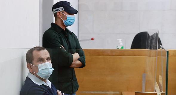 יעקב אדרי בבית המשפט בהארכת מעצרו