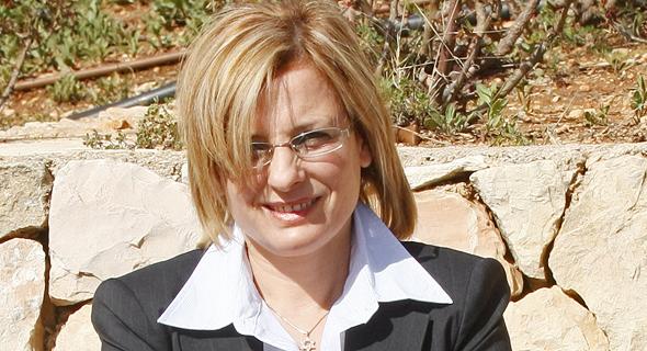אורלי יחזקאל, המקורבת של אדרי