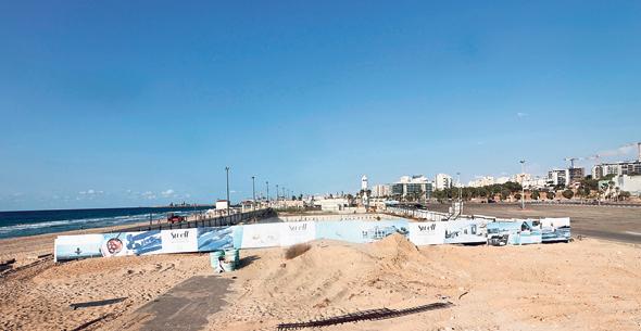 """השטח המתוכנן למלונאות על קו החוף באשדוד. בעירייה טוענים שהזכויות נועדו ל""""גדילה פנימה"""""""