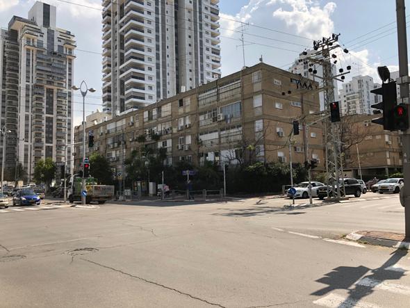 פינת הרחובות פיכמן וההסתדרות בחולון, כיום , מקור: גוגל סטריט ויו