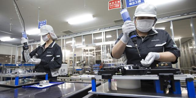 פנסוניק תקטין את התלות בטסלה עם מפעל סוללות בנורבגיה