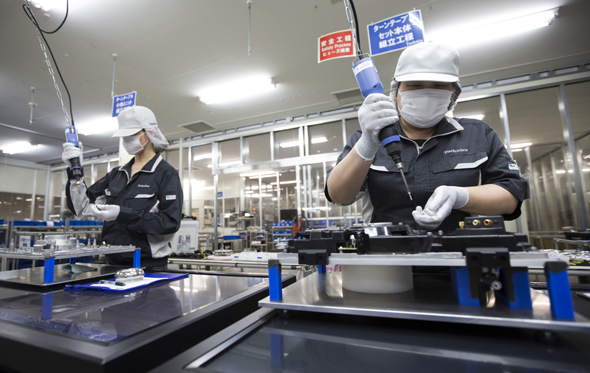 מפעל ייצור של פנסוניק ביפן, צילום: בלומברג