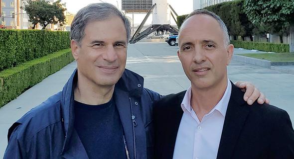 מימין: עמיר בלכמן הישראלי הבכיר ביותר באקסיום ספייס ואיתן סטיבה