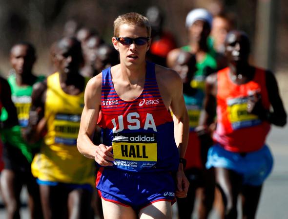 """הרץ האולימפי ריאן הול. """"לפני שהקפדתי על שעות שינה, הייתי נפצע ובדיכאון. זה בלתי נתפס כמה שינה חשובה לבריאותנו"""", צילום: איי פי"""