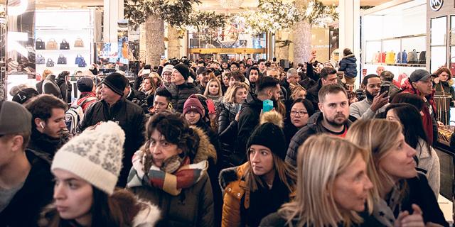 האמריקאים חוששים מקניונים, הקניות לחגים יתבצעו אונליין
