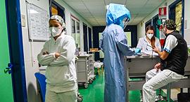 קורונה בית חולים טור ורגטה רומא איטליה 24.11.20, צילום: איי אף פי