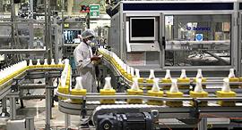 מפעל יוניליוור ב אינדונזיה, צילום: בלומברג