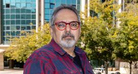 פרופסור יובל אלבשן בגן הטכנולוגי מלחה ירושלים, צילום:  עמית שאבי