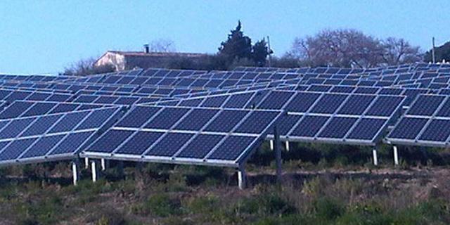 אלומיי עברה להפסד בגלל מכירת תחנות כוח באיטליה, אבל בונה על פרויקט בספרד
