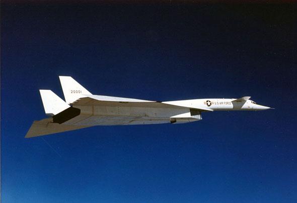 המפציץ בטיסה. האם יסתדר גם עם פייוואקט כבד וגדול יותר?, צילום:  USAF