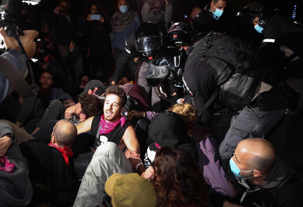 עימות בין שוטרים למפגינים הערב בירושלים