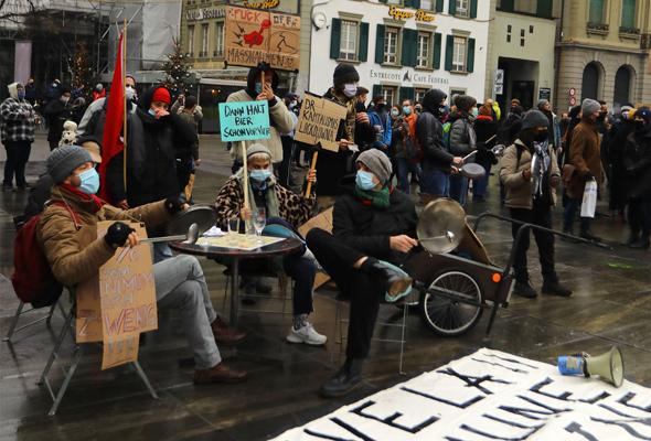ברן שוויץ הפגנה של בעלי מסעדות נגד סגר במדינה , צילום: אם סי טי