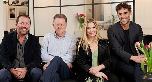 מימין: בועז דינטי, סיון שמרי דהן, דניאל סלוצקי וארז שחר. קרן קומרה קפיטל