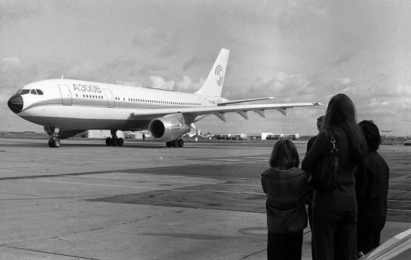 גוף גדול, טיסה חסכונית. איירבוס A300, צילום: Wikimedia