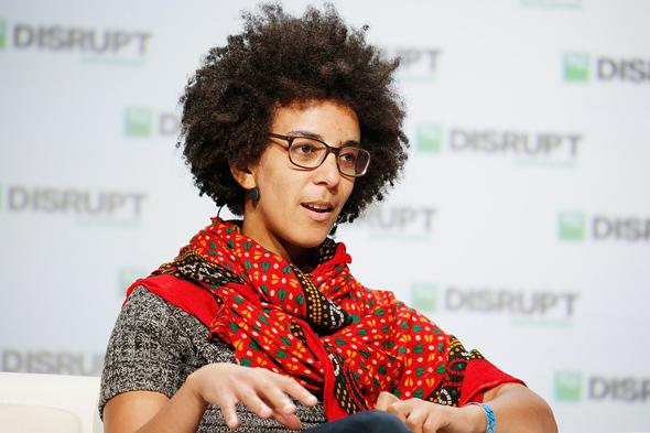 """ד""""ר טימניט גברו לשעבר חוקרת בתחום הבינה מלאכותית ב גוגל"""