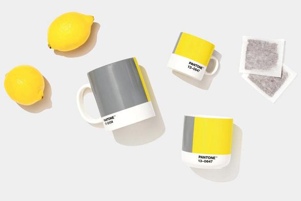 צהוב ואפור צבעי פאנטון ל־ 2021, צילום: Pantone
