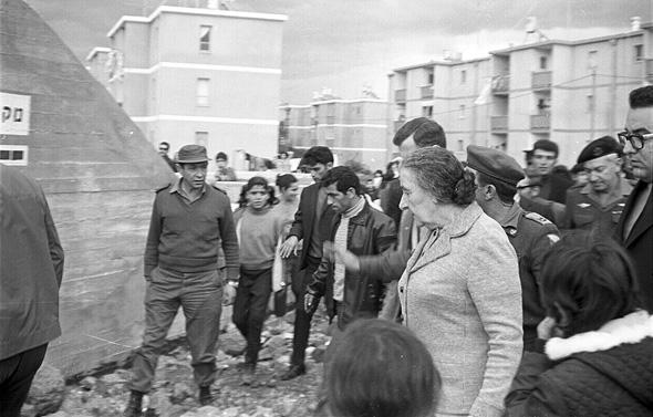 סיור של ראשת ממשלת ישראל גולדה מאיר בבית שאן. 1972