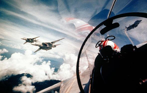 מבנה F14 באוויר, צילום: NARA