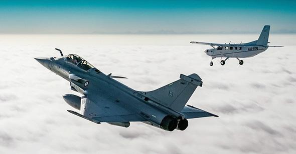 מטוס קרב מתקרב אליך מצד שמאל? מזל טוב, אתה מיורט, צילום: USN