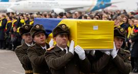 הלוויית הרוגי התרסקות מטוס באוקראינה, צילום: רויטרס