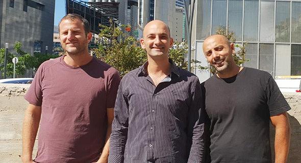 """בעלי חברת אדן: ארז אוסדון (מימין), רונן דדון, ונדב עמיאל. לנכסים שבניהולם מצטרפים גם מבנים שעברו תמ""""א"""