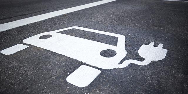 בניגוד לתחזית המקובלת: רבל צופה צמיחה במספר המכוניות המונעות בדלק