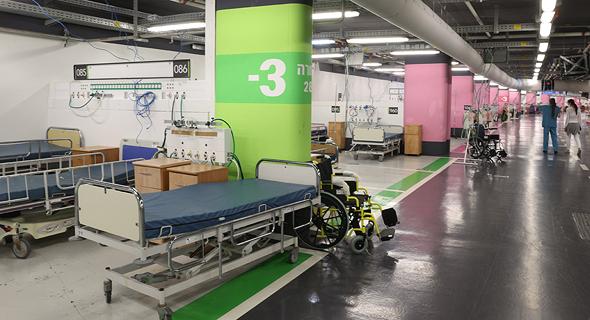 """מחלקת קורונה חדשה בבית חולים רמב""""ם בחיפה בחניון התת קרקעי של בית החולים"""