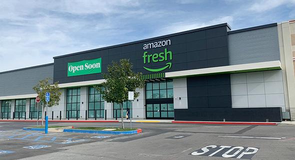 סופרמרקט ענק של אמזון במתחם ביג בקליפורניה