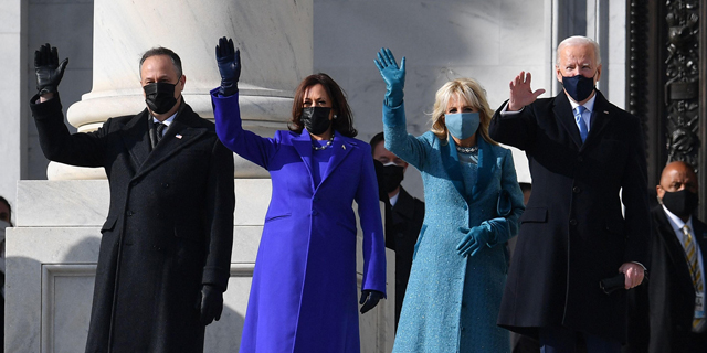 """""""אין זמן לבזבז"""": בליץ הצווים הנשיאותיים של ביידן"""